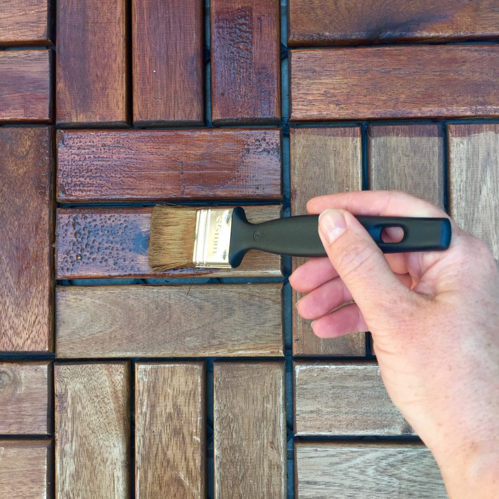 resize_staining-wooden-floor-QTAQ98M